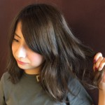 年々髪のうねりが気になっていませんか?そのうねり、頭皮の衰えが原因かも!