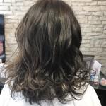 暗い髪でも外国人風のヘアカラーに変身できる!