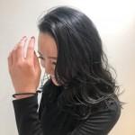 脱黒髪♩職場でもOKのダーク系ヘアカラーが魅力をアップ☆